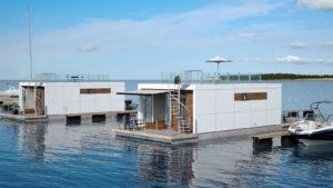 Husbåden Zunshine Living 70 kommer med to store terrasser og er forberedt for tagterrasse
